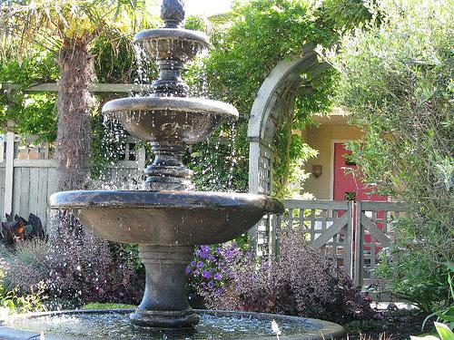 garden fountain design ideas photo - 7