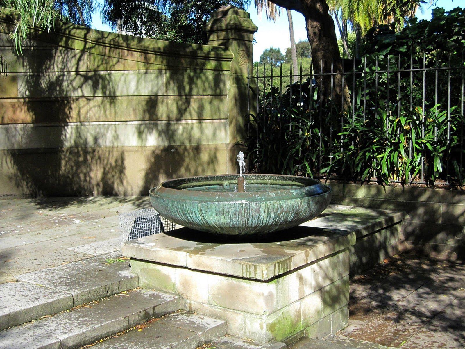 garden fountain design ideas photo - 8
