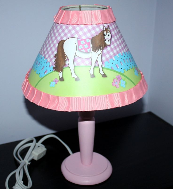 girls pink bedroom lamp photo - 4