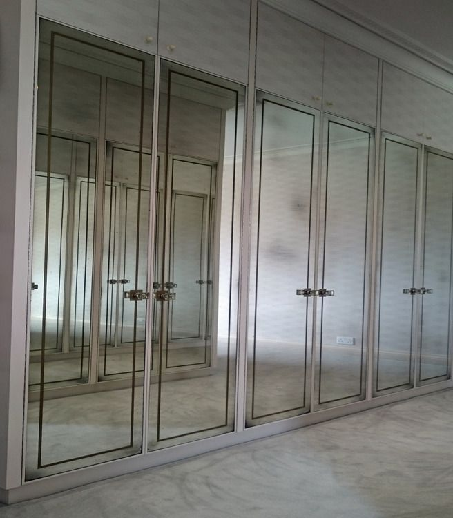 gold mirrored closet doors photo - 7