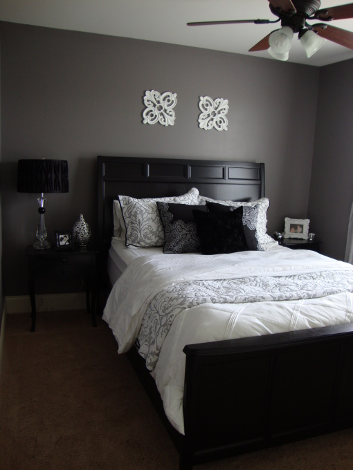 gray bedroom black furniture photo - 2