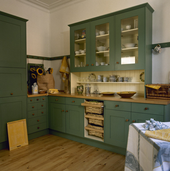 green country kitchen designs photo - 7