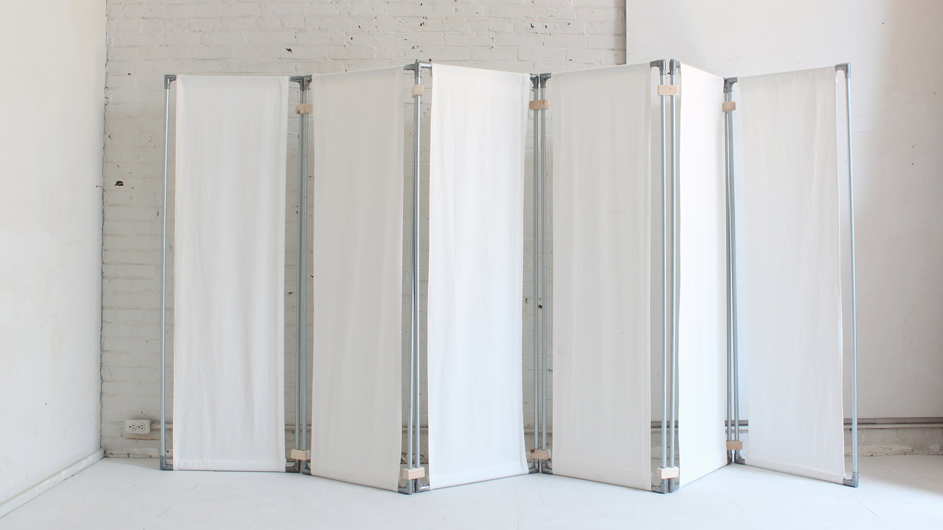 hanging room divider screen photo - 4
