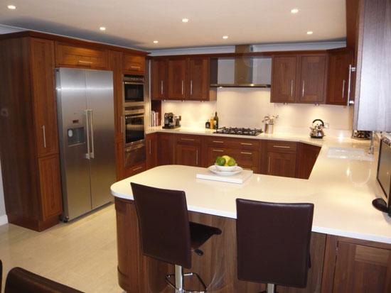 ideas for u shaped kitchen photo - 9