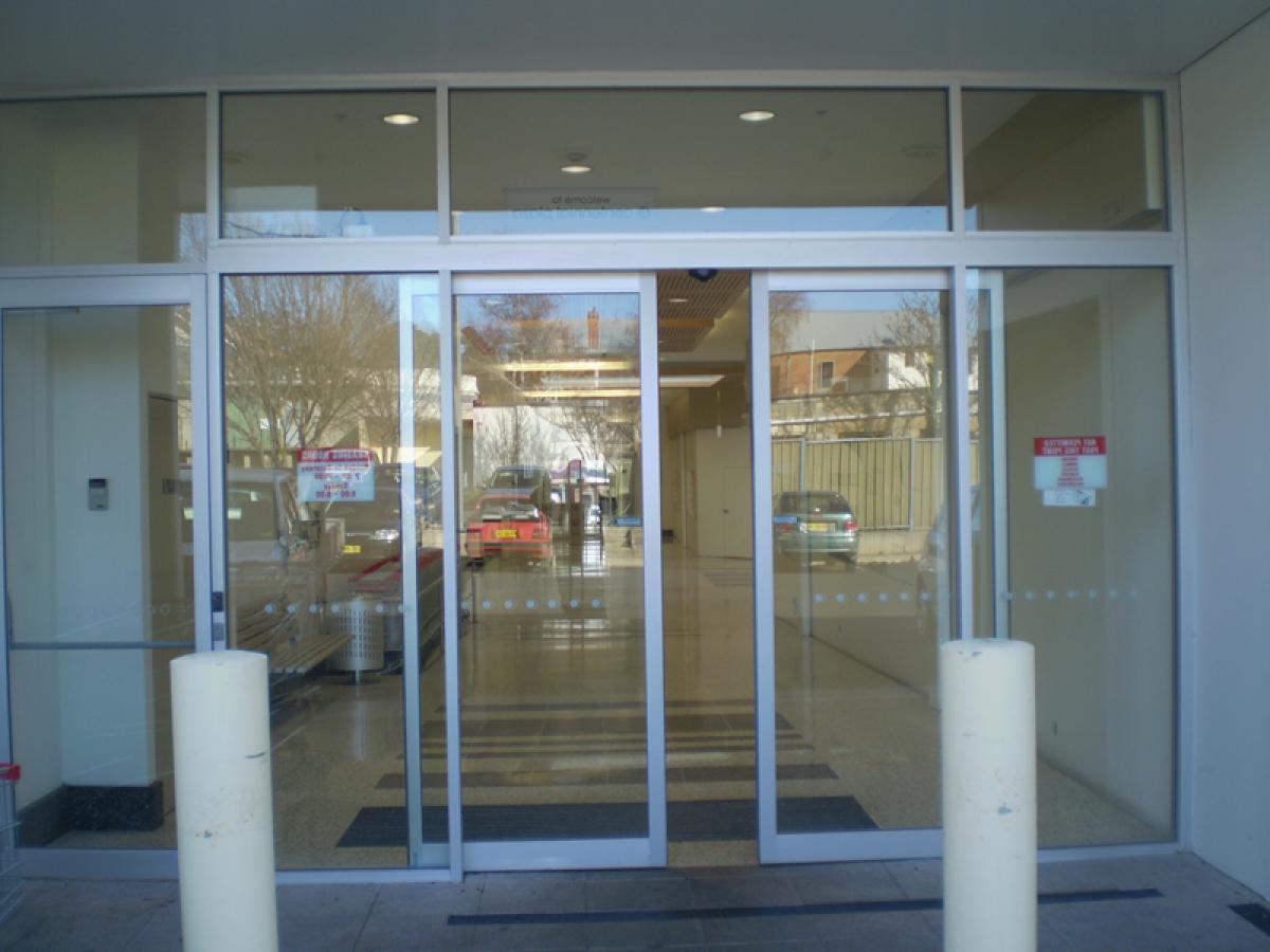 interior electric sliding doors photo - 10