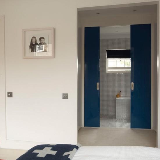 interior sliding doors bathroom photo - 2