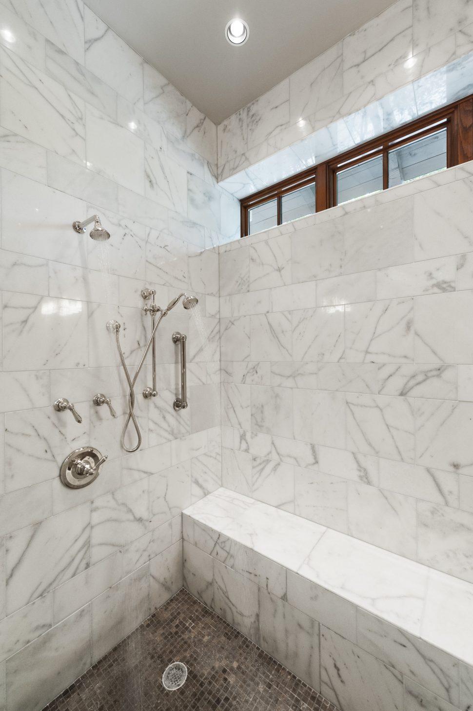 Italian marble tile bathroom | Hawk Haven