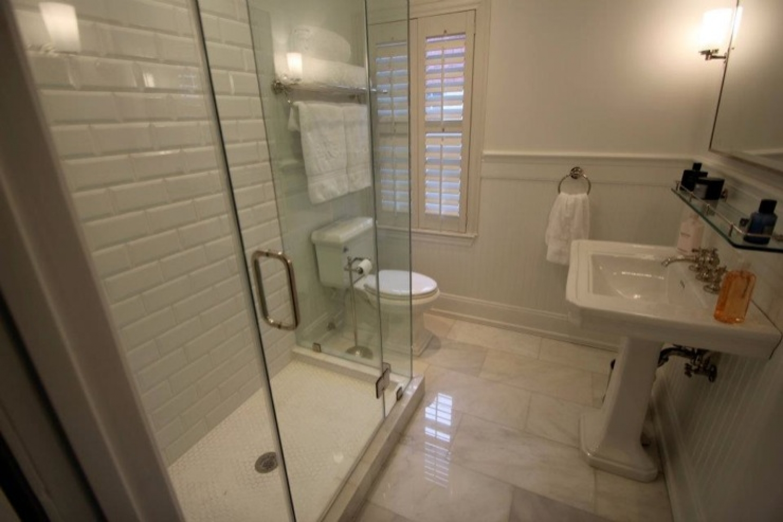 italian tile bathroom photo - 5