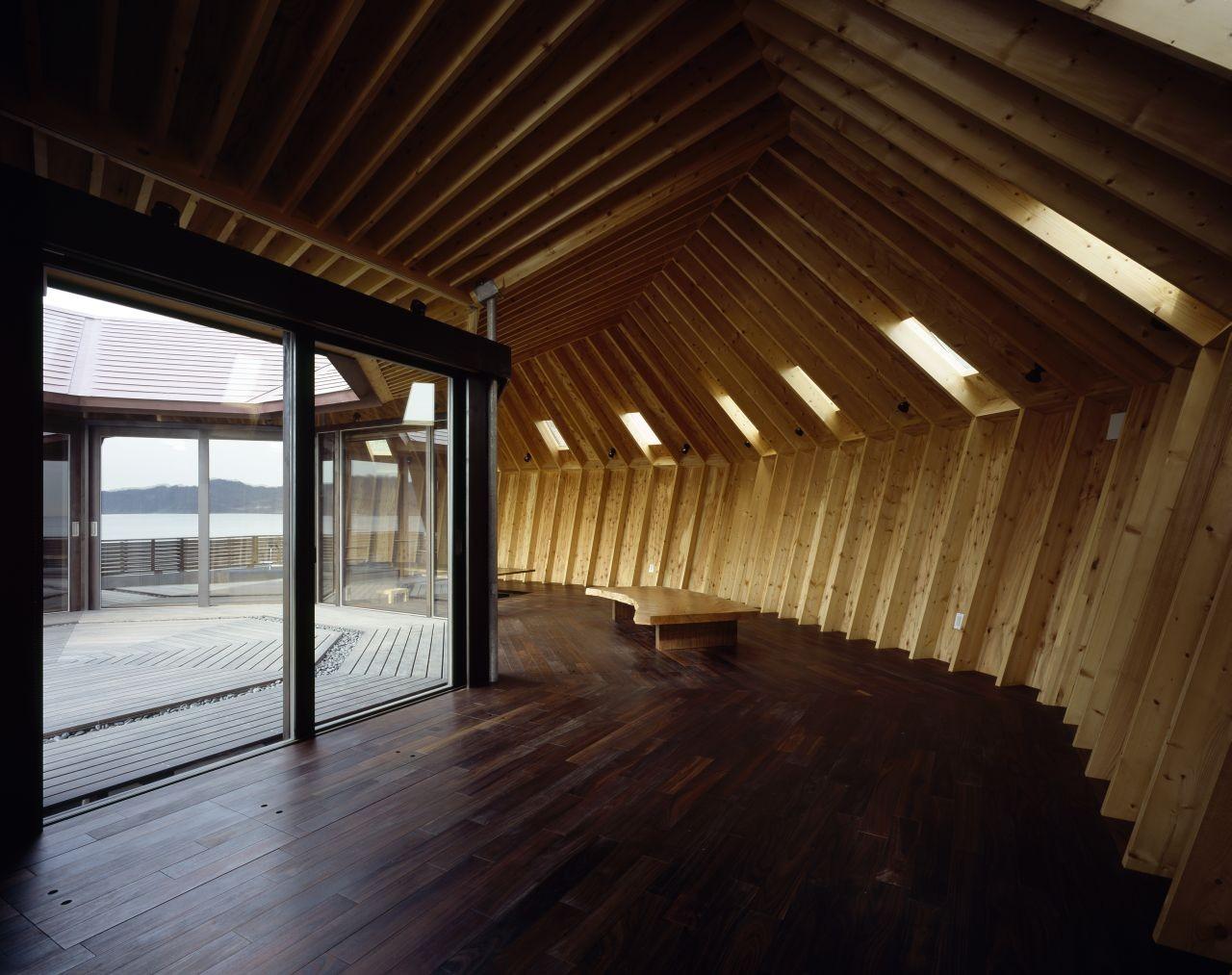 japanese shell house interior photo - 5