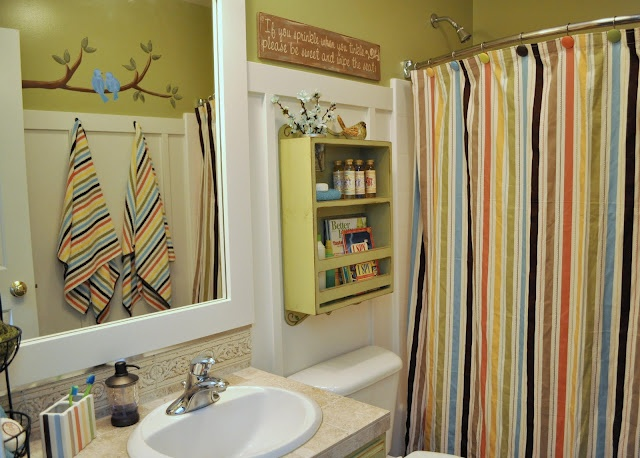 kids and guest bathroom ideas photo - 10