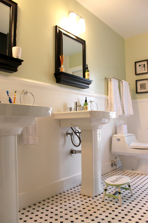 kids and guest bathroom ideas photo - 9