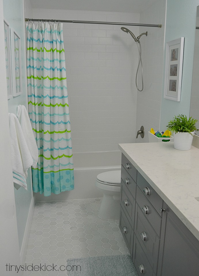 kids bathroom ideas small spaces photo - 4