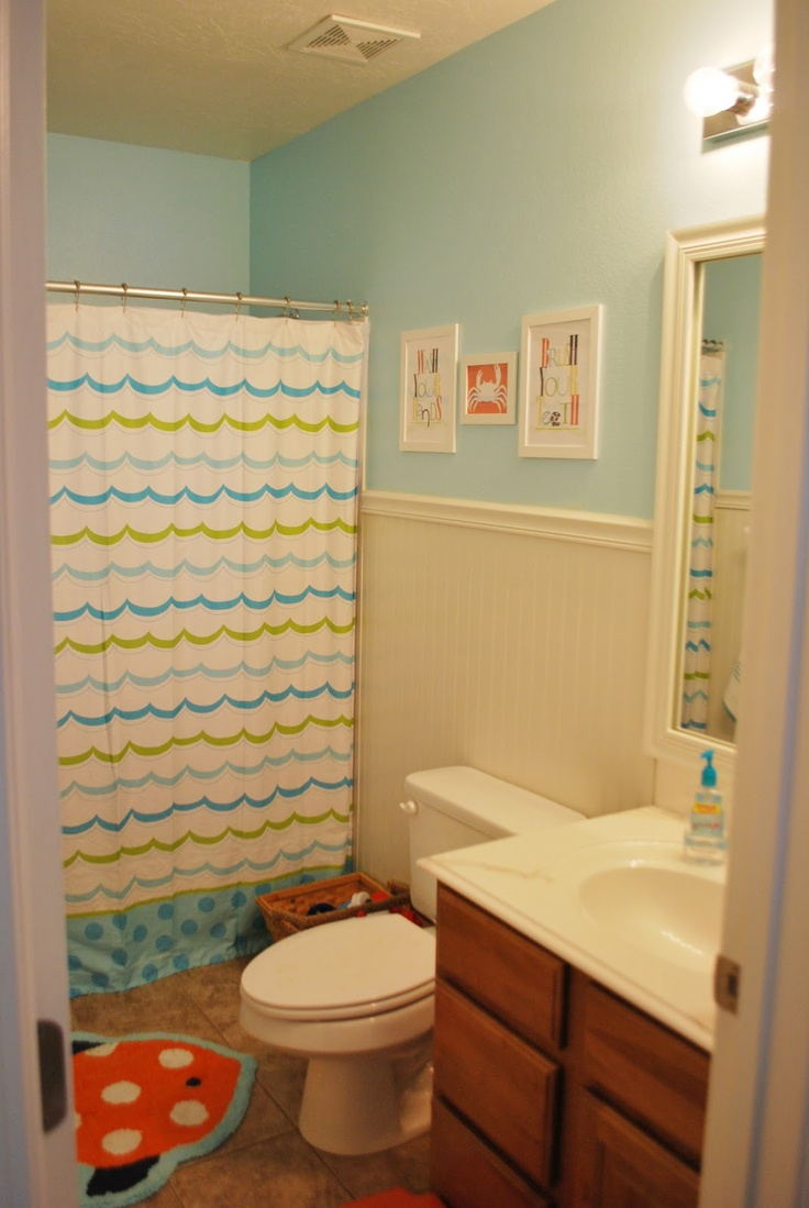 kids bathroom ideas small spaces photo - 9