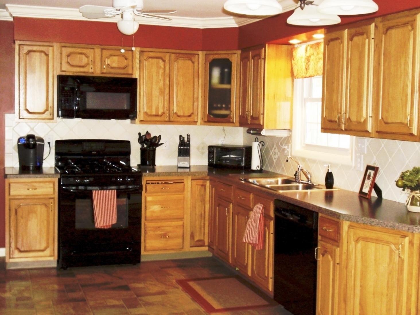 kitchen cabinet color ideas with black appliances photo - 3