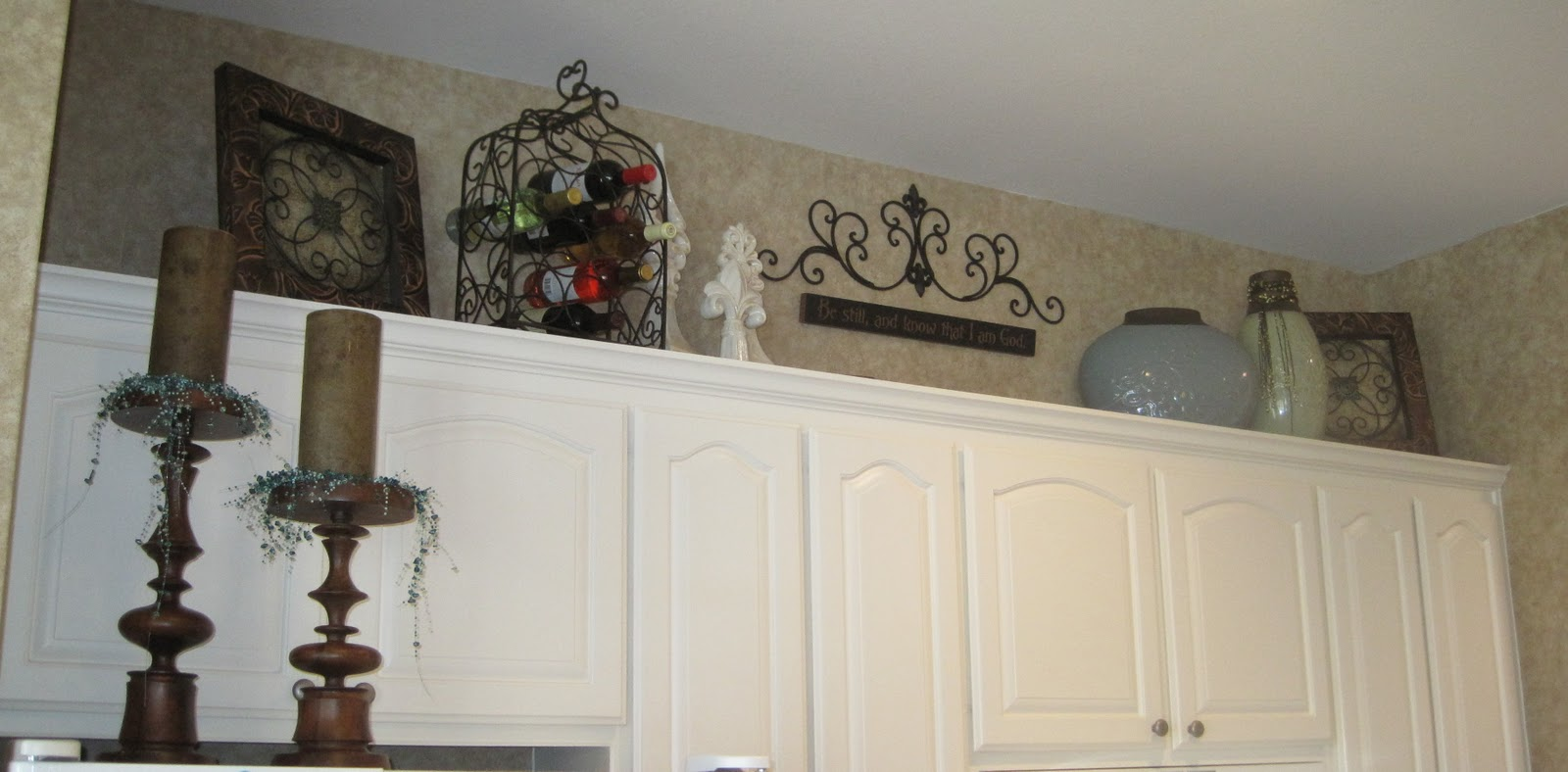 Kitchen cabinet decorating ideas above | Hawk Haven