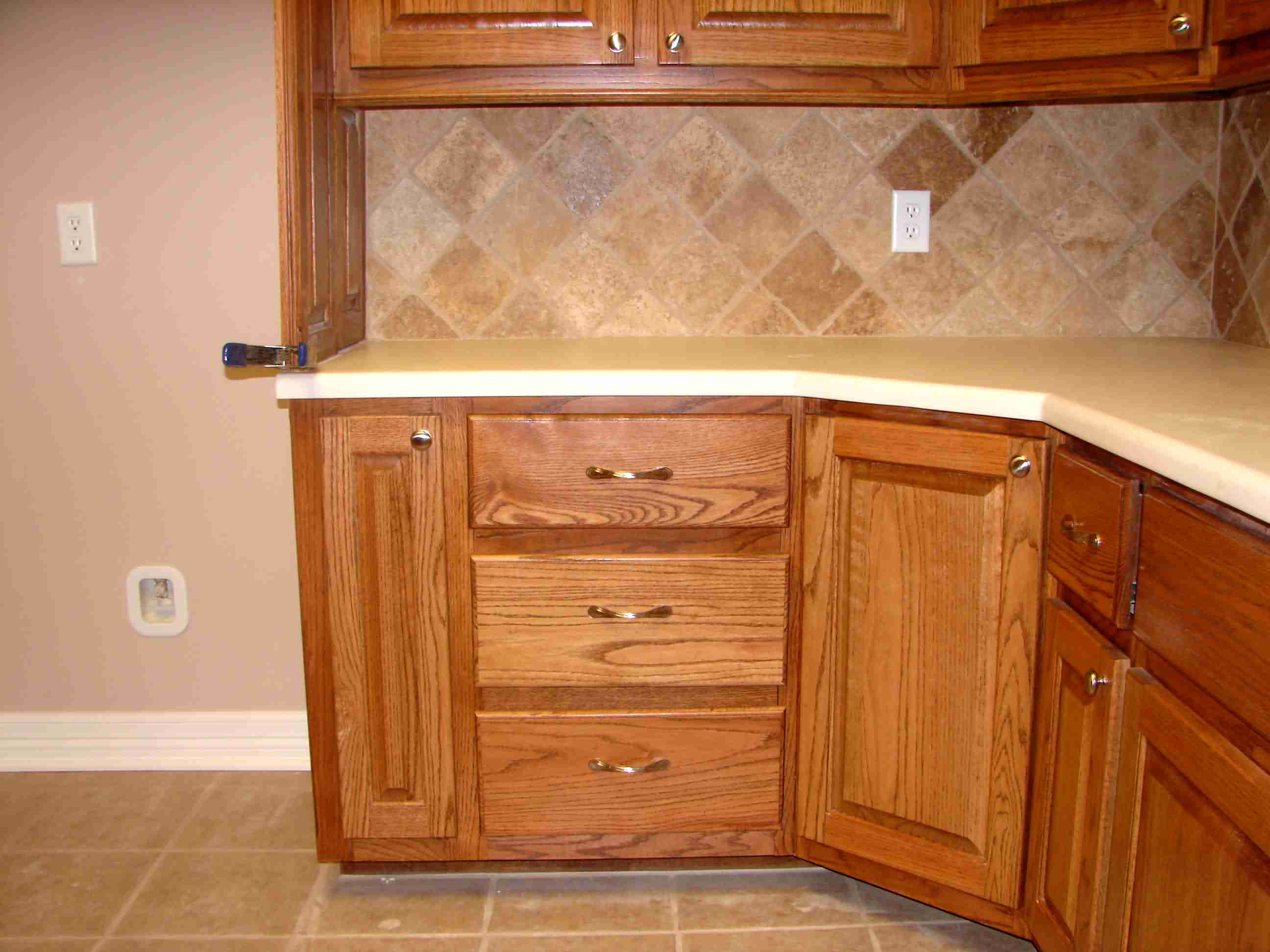 kitchen cabinet ideas for corners photo - 5