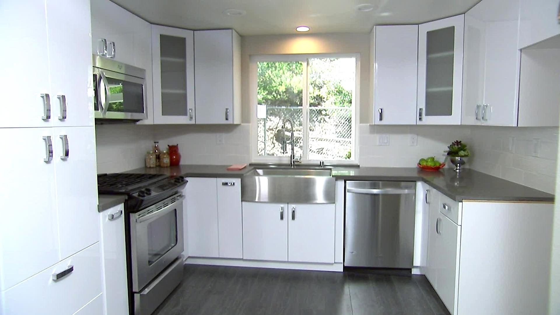 kitchen cabinet ideas with white appliances photo - 6
