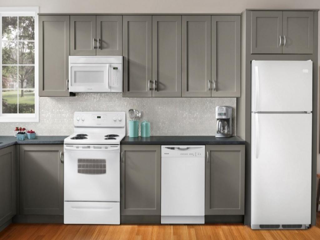kitchen cabinet ideas with white appliances photo - 7