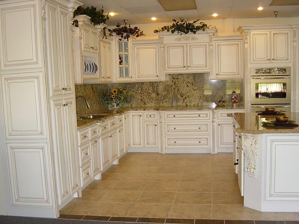 kitchen cabinet ideas with white appliances photo - 9