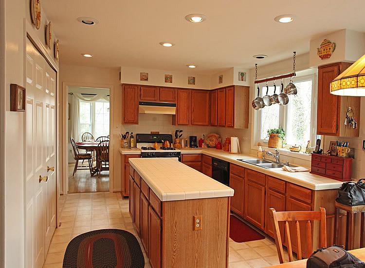 kitchen cabinet soffit ideas photo - 8