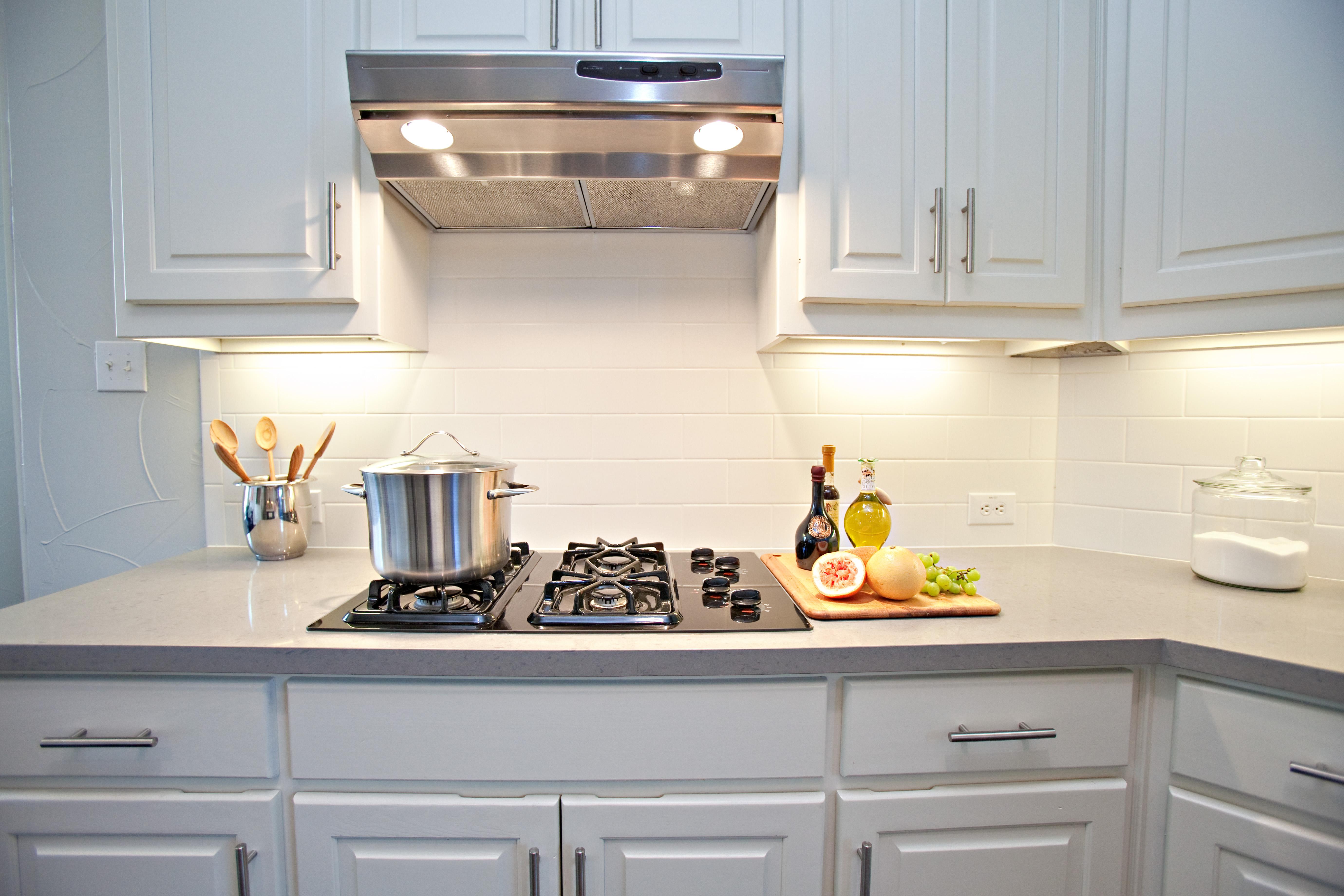 kitchen cabinets backsplash ideas photo - 8