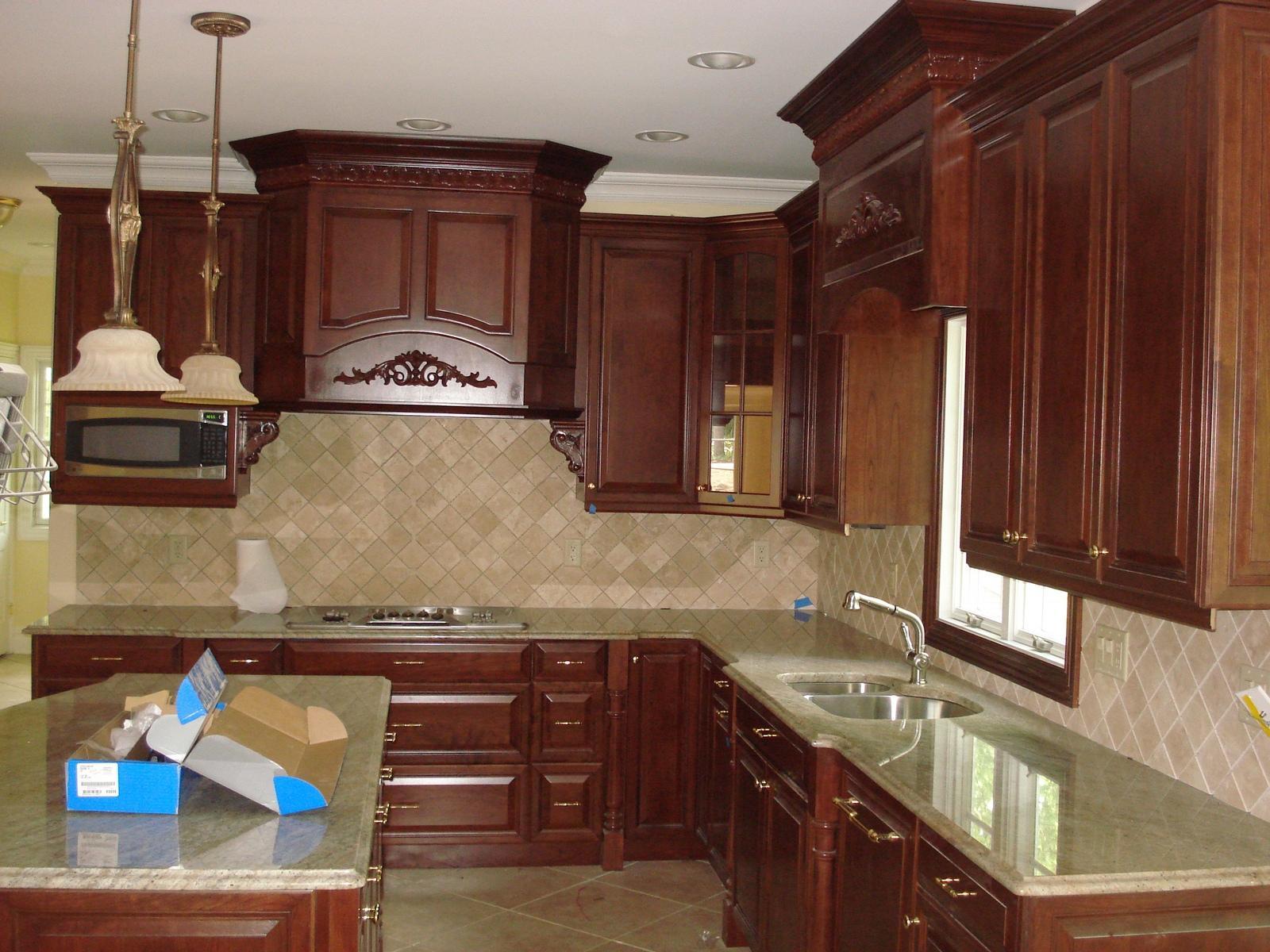 kitchen cabinets molding ideas photo - 4