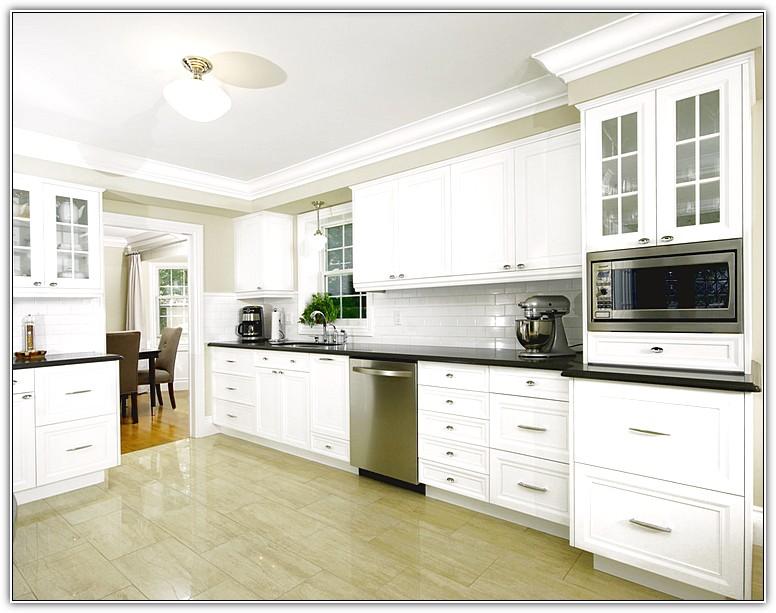 kitchen cabinets molding ideas photo - 5