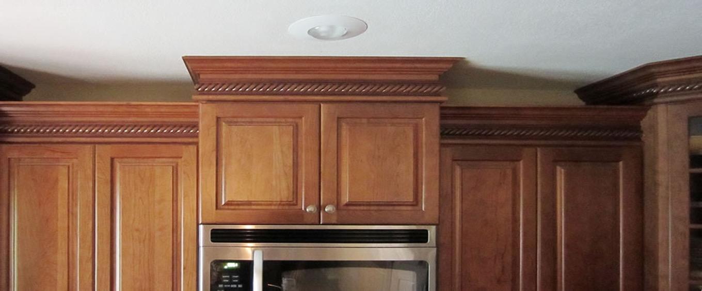 kitchen cabinets molding ideas photo - 7