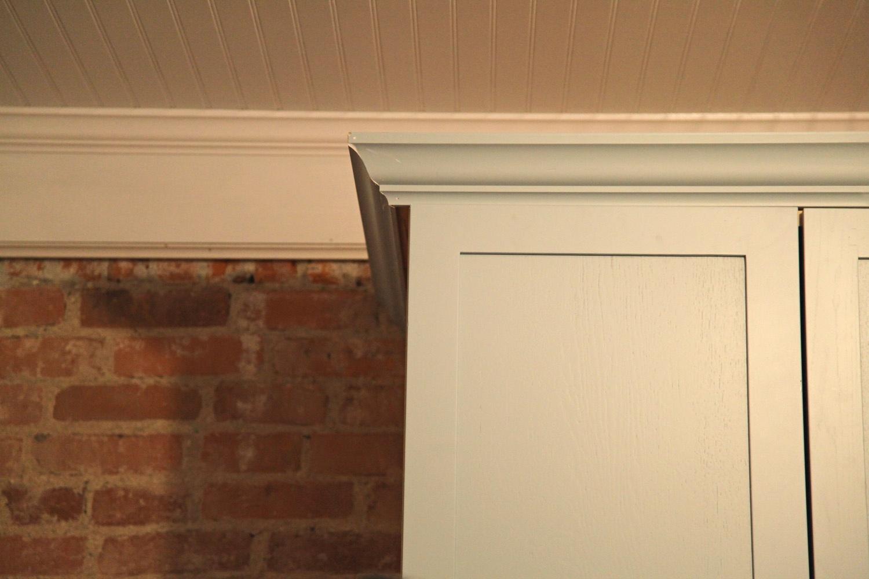 kitchen cabinets molding ideas photo - 8