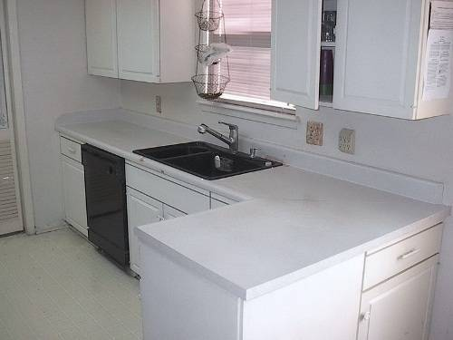 kitchen cabinets white formica photo - 1