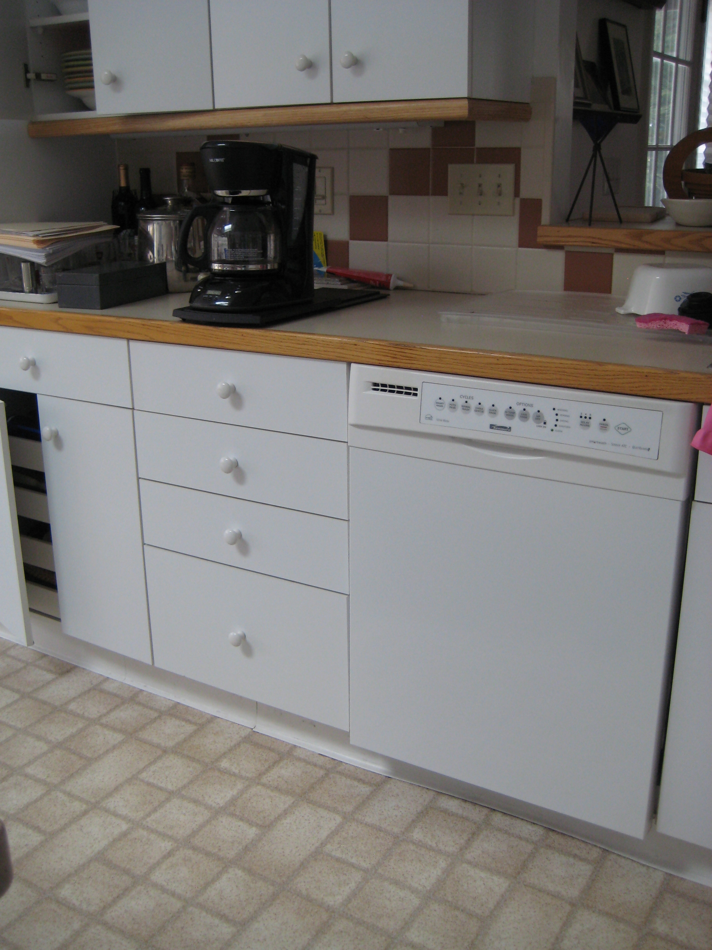 kitchen cabinets white formica photo - 10