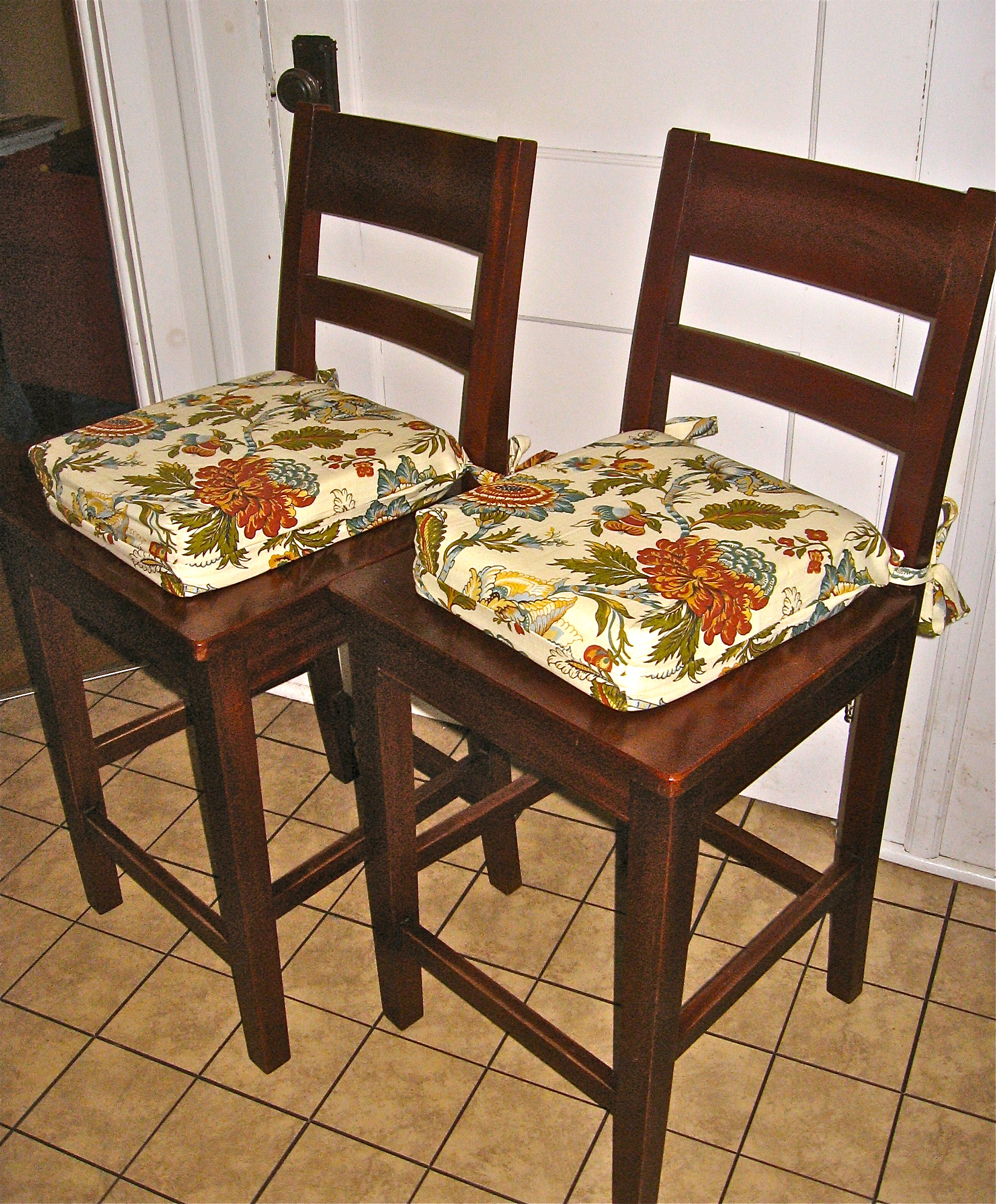kitchen chairs cushions photo - 1