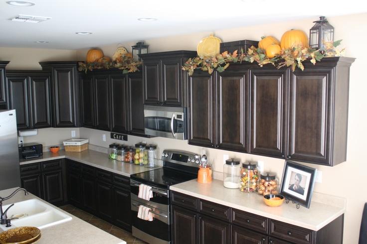 kitchen decor ideas cabinet tops photo - 3