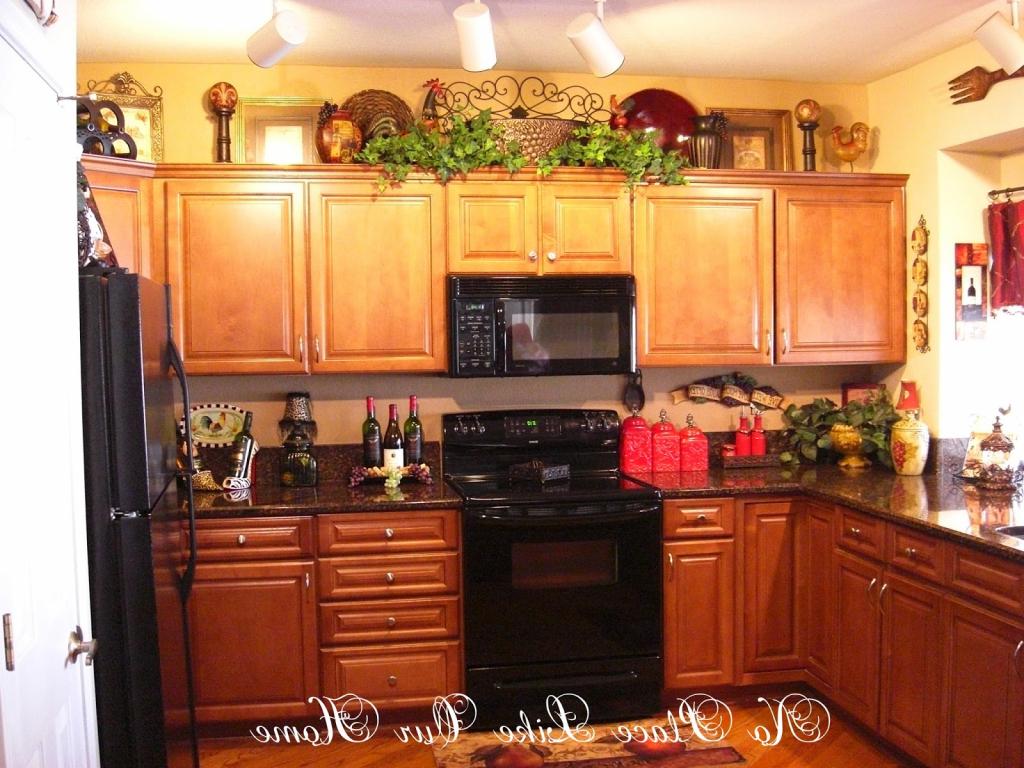 kitchen decor ideas cabinet tops photo - 6