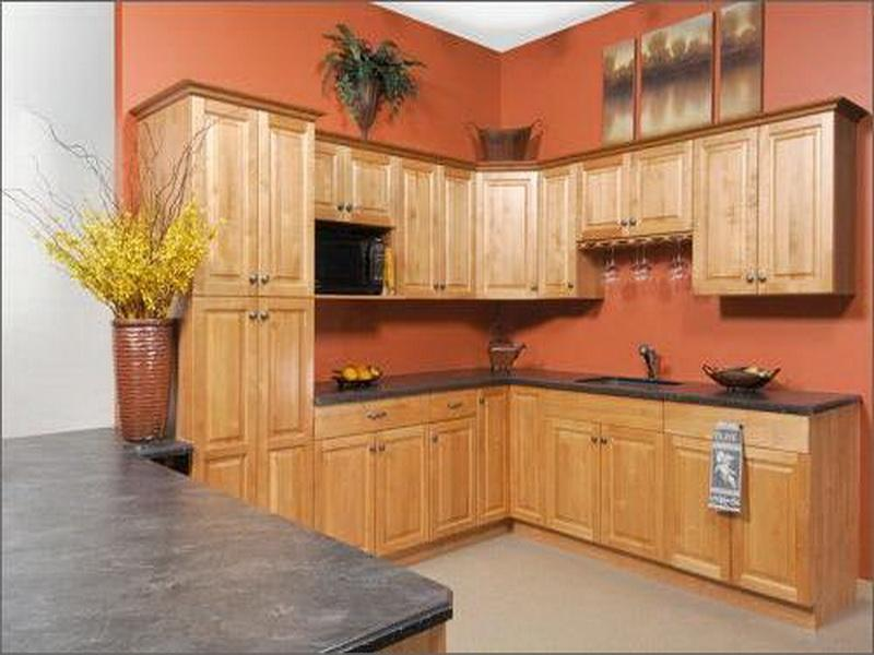 Kitchen design ideas for oak cabinets | Hawk Haven on paint oak cabinets with gray, warm kitchen colors with oak cabinets, paint oak cabinets without sanding, colors to paint a kitchen with oak cabinets, paint colors with maple kitchen cabinets, paint colors with light tile, paint colors with knotty pine kitchen cabinets, best wall colors with dark kitchen cabinets, country antique white kitchen cabinets, paint oak cabinets wall color, kitchen paint colors with brown cabinets, modern light wood kitchen cabinets, paint colors with hickory kitchen cabinets, popular kitchen colors with oak cabinets, paint colors that go with cherry cabinets, led lighting above kitchen cabinets, navy blue with white kitchen cabinets, new kitchen colors that go with oak cabinets, kitchen designs with light oak cabinets, paint kitchen cabinet makeover ideas,