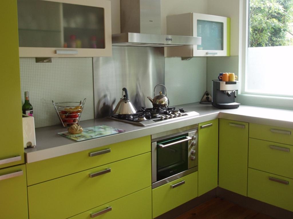 kitchen design ideas green cabinets photo - 2