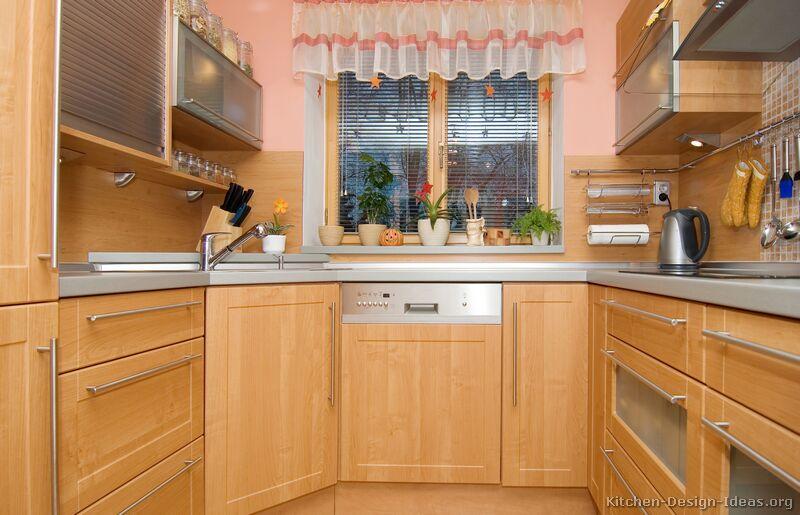 kitchen design ideas light wood cabinets photo - 8