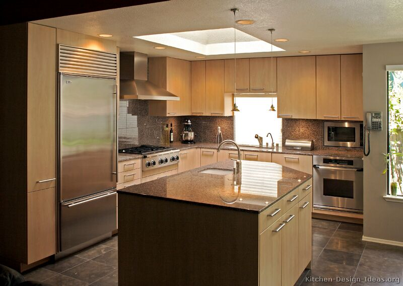kitchen design ideas light wood cabinets photo - 9