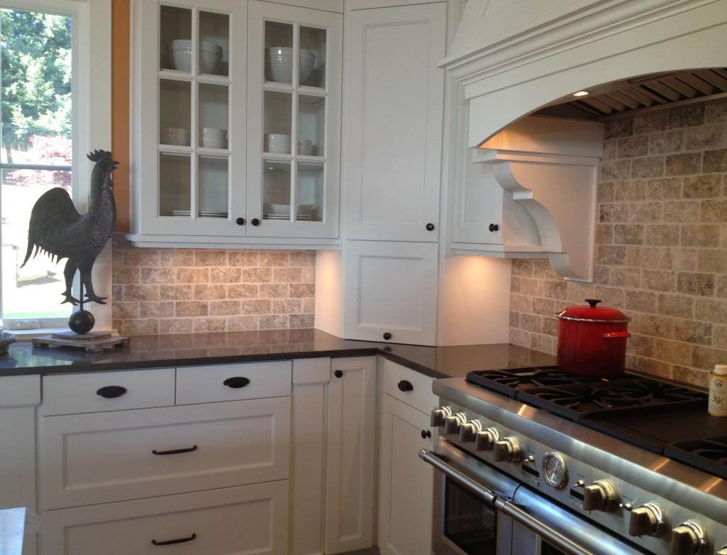 kitchen ideas white cabinets black countertop photo - 5