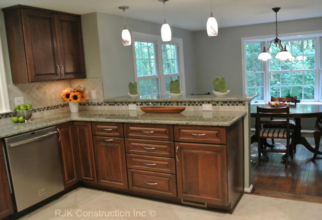 kitchen remodel u shaped kitchen photo - 2