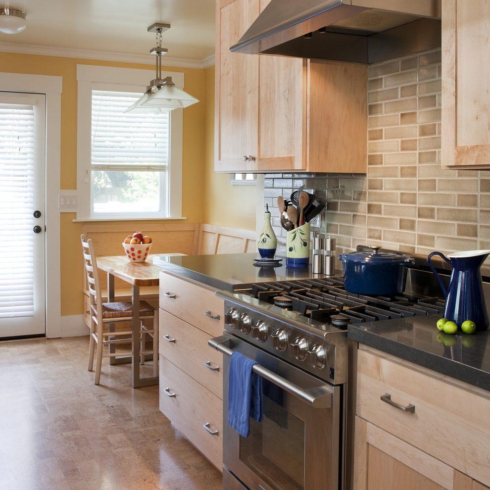 l shaped apartment kitchen photo - 5