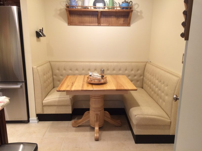 l shaped kitchen booth photo - 5