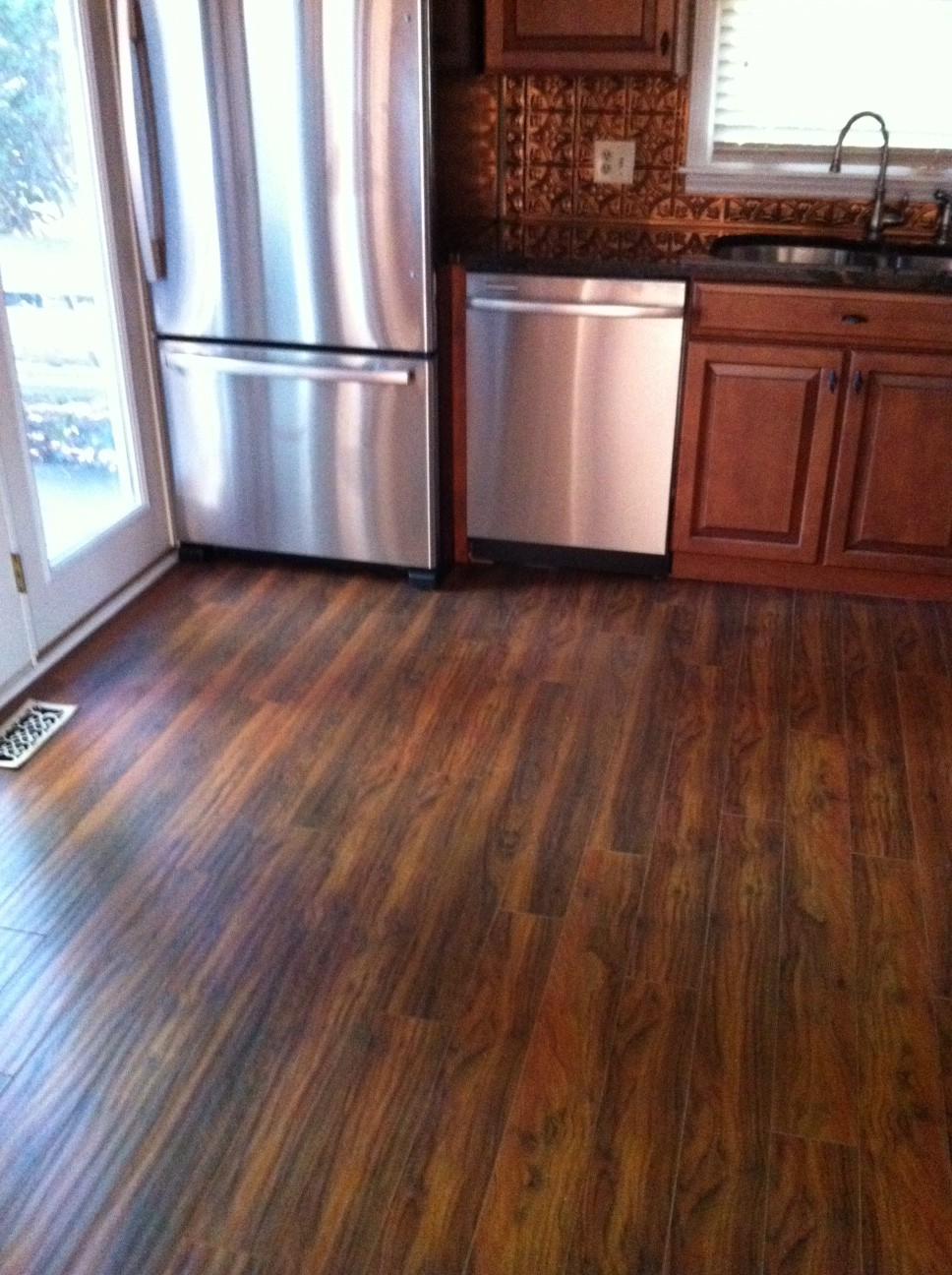 Laminate Wood Flooring For Kitchen