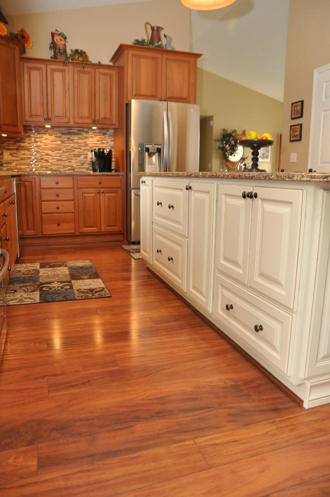 laminate wood flooring for kitchen photo - 4