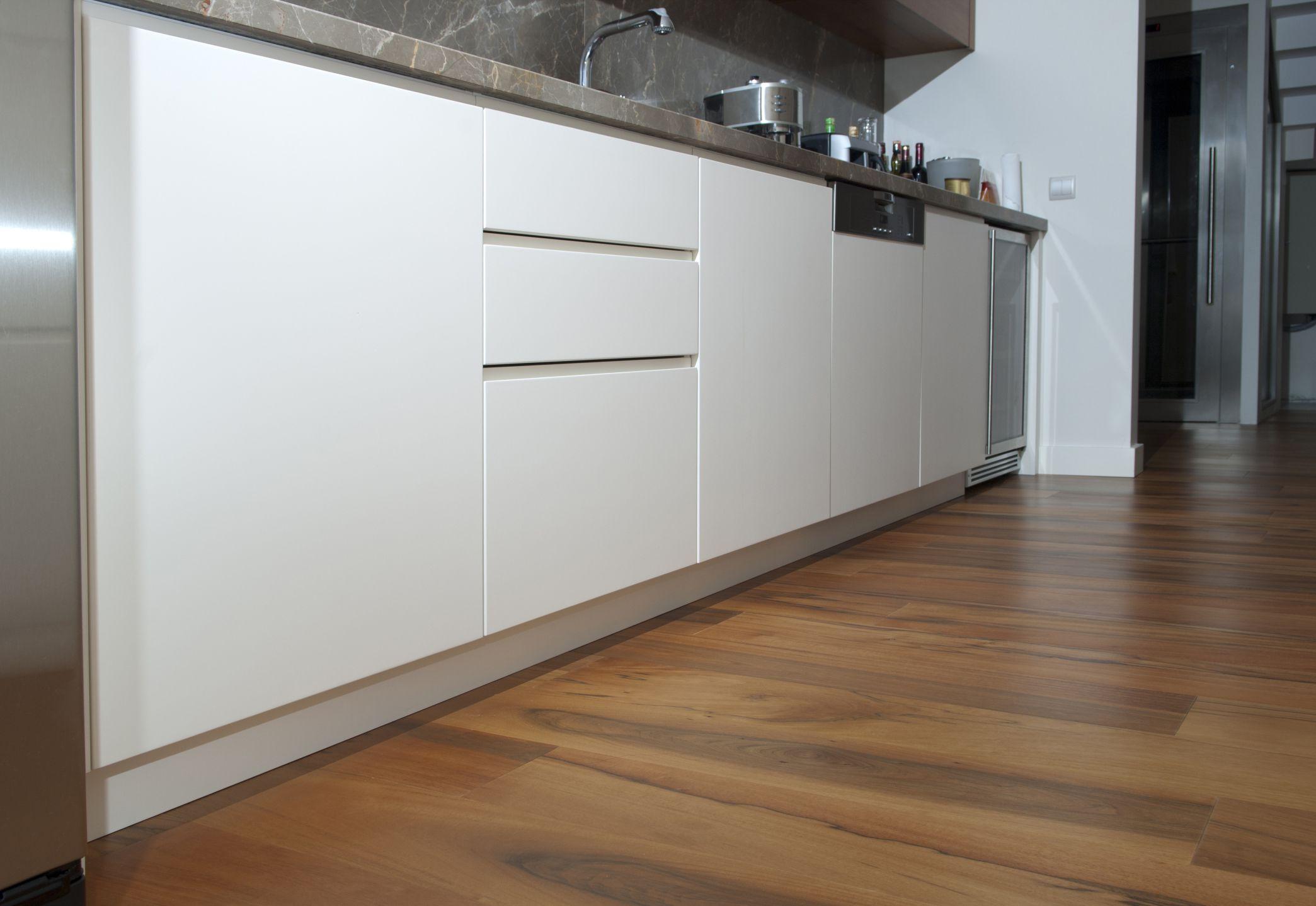 laminate wood flooring for kitchen photo - 7