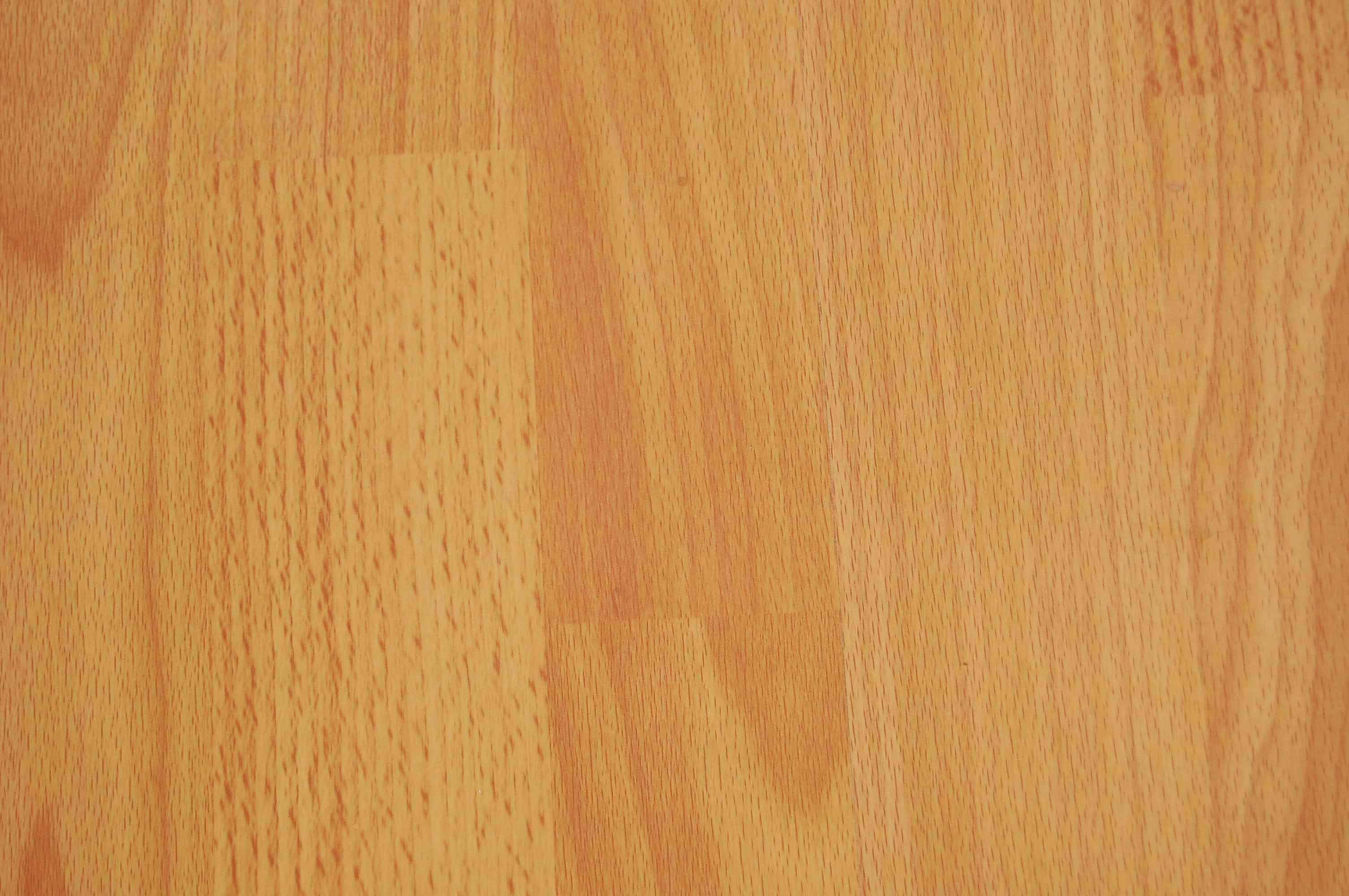 laminated wooden flooring photo - 1