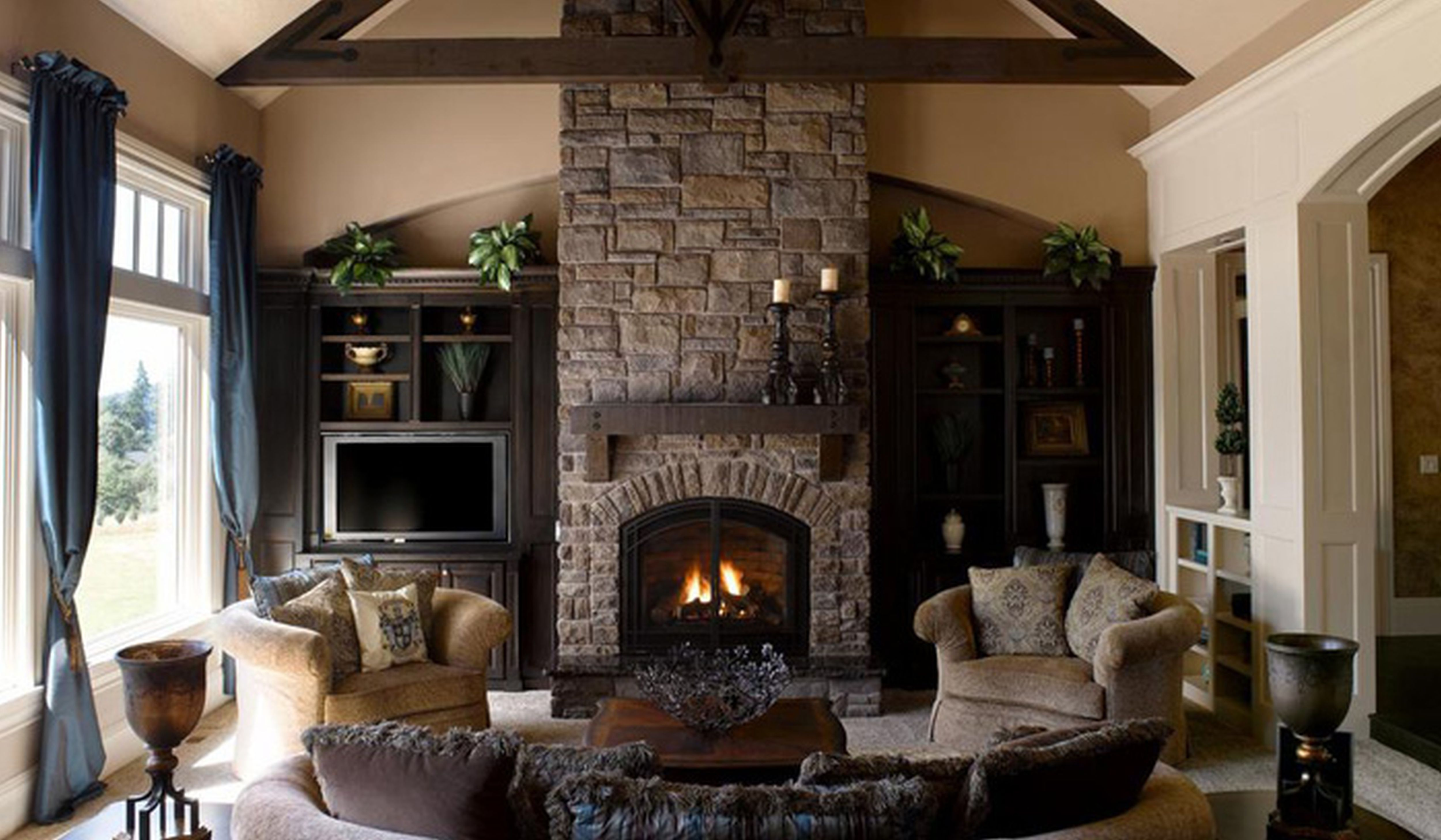 living room furniture ideas+fireplace photo - 4
