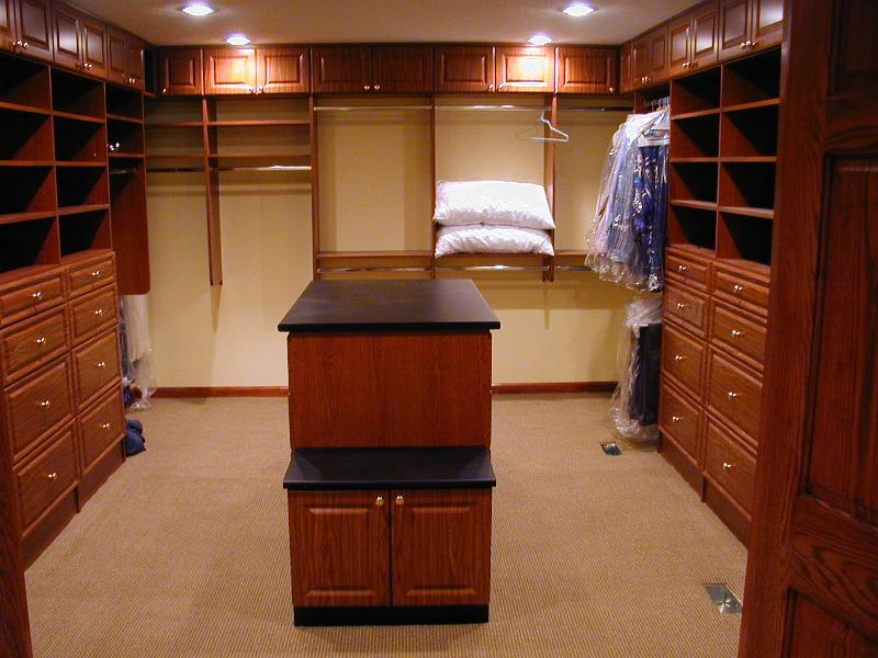 master walk in closet design photo - 5
