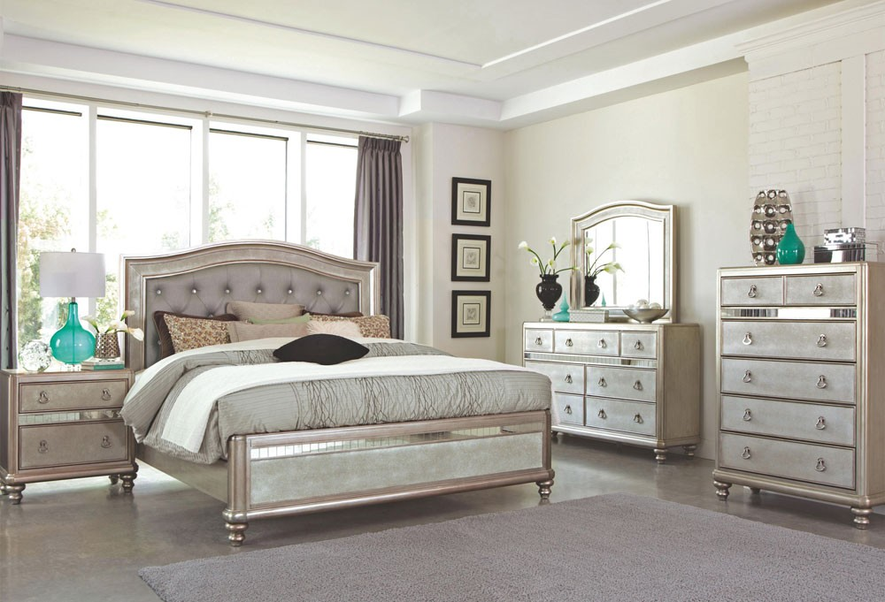 mirrored bedroom furniture ideas photo - 9