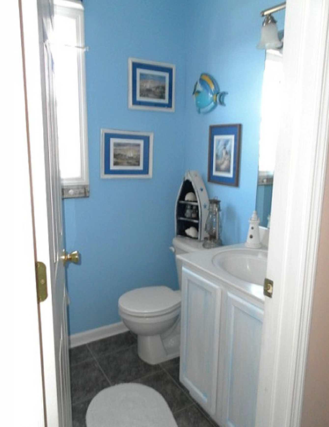 model home bathroom decor photo - 8